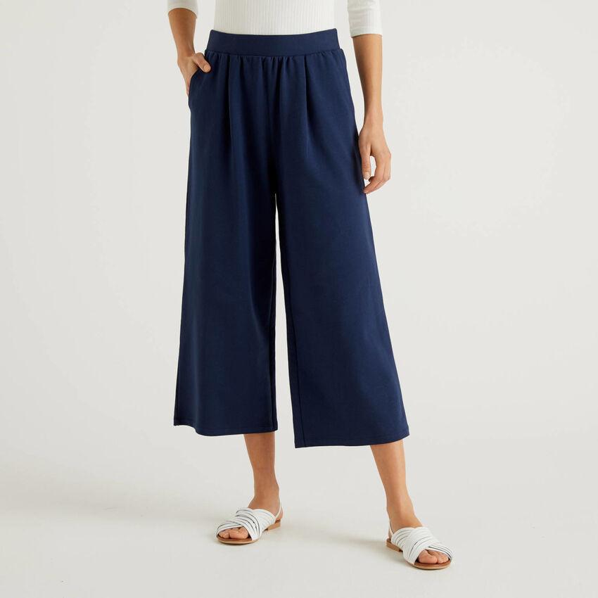 Pantalón ancho de felpa ligera