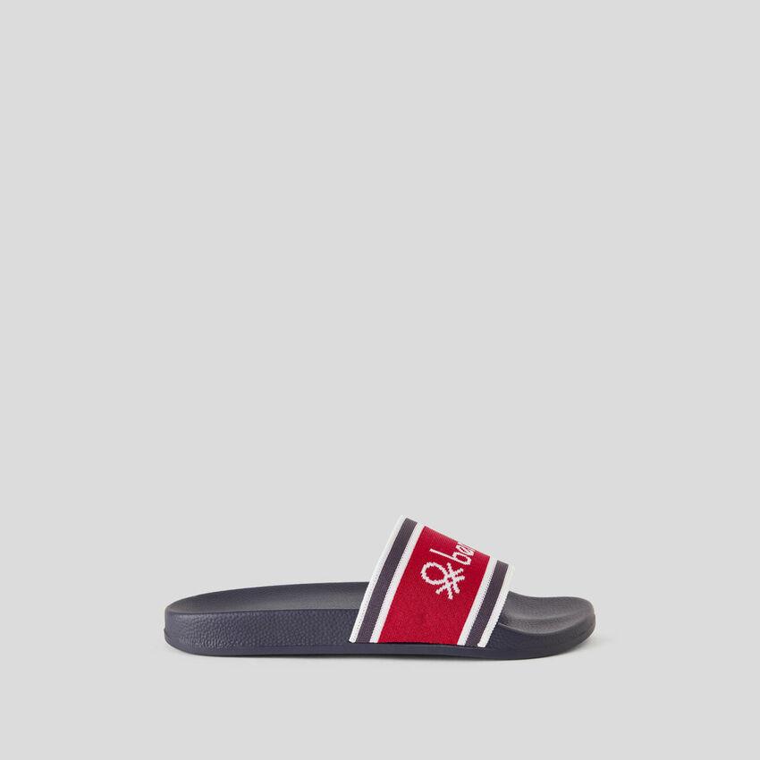 Zapatillas con banda de tela