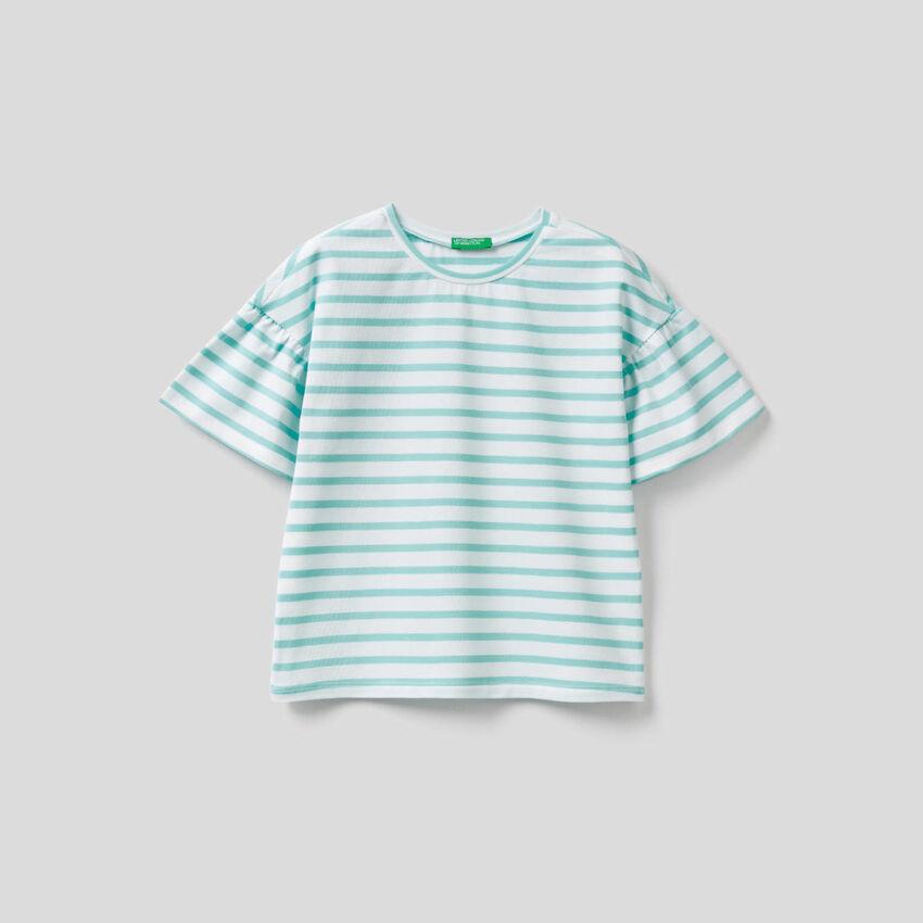 Camiseta de rayas teñida en hilo