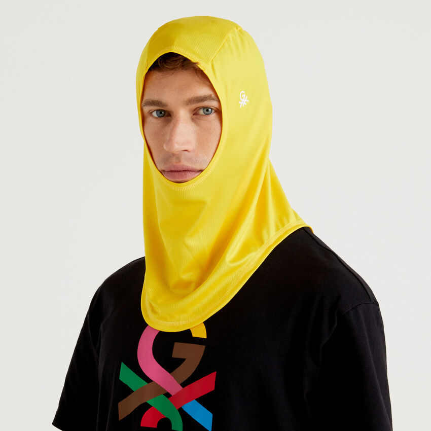 Hijab unisex amarillo by Ghali con logotipo