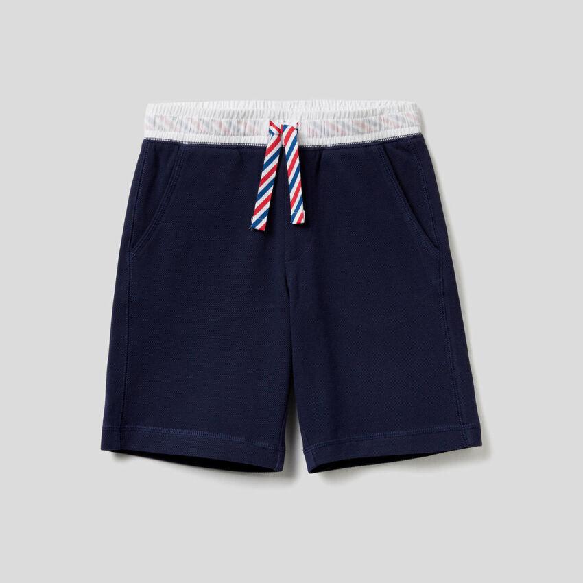 Bermudas de algodón con cordón de ajuste