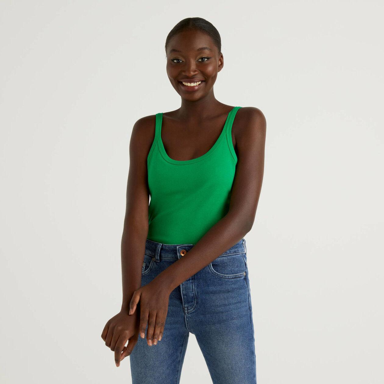 Camiseta de tirantes verde de algodón puro