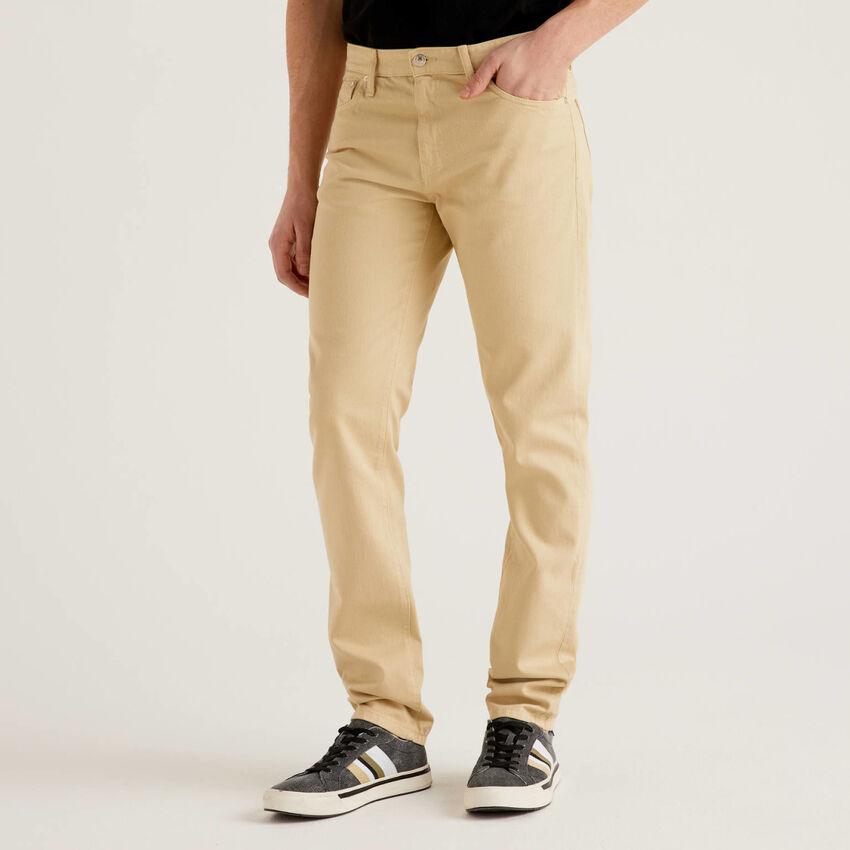 Pantalón de 100 % algodón con cinco bolsillos