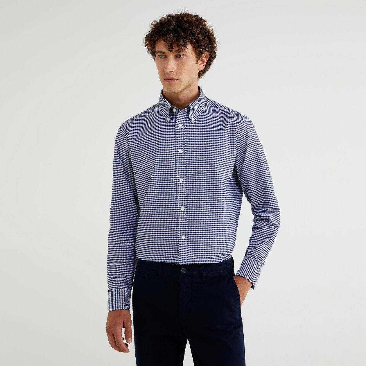 Camisa de cuadros con cuello abotonado