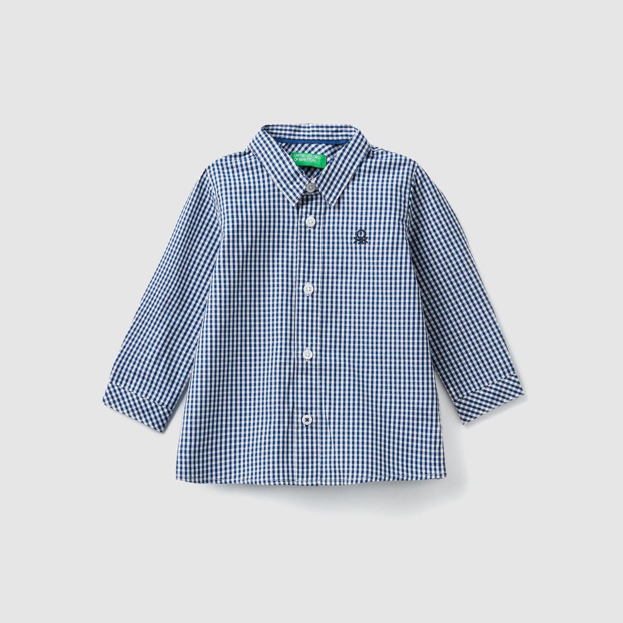 Camisa teñida en hilo
