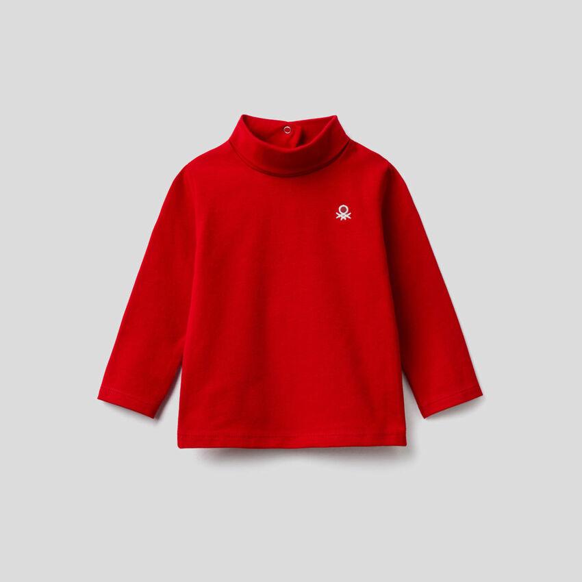 Camiseta de algodón elástico de cuello alto