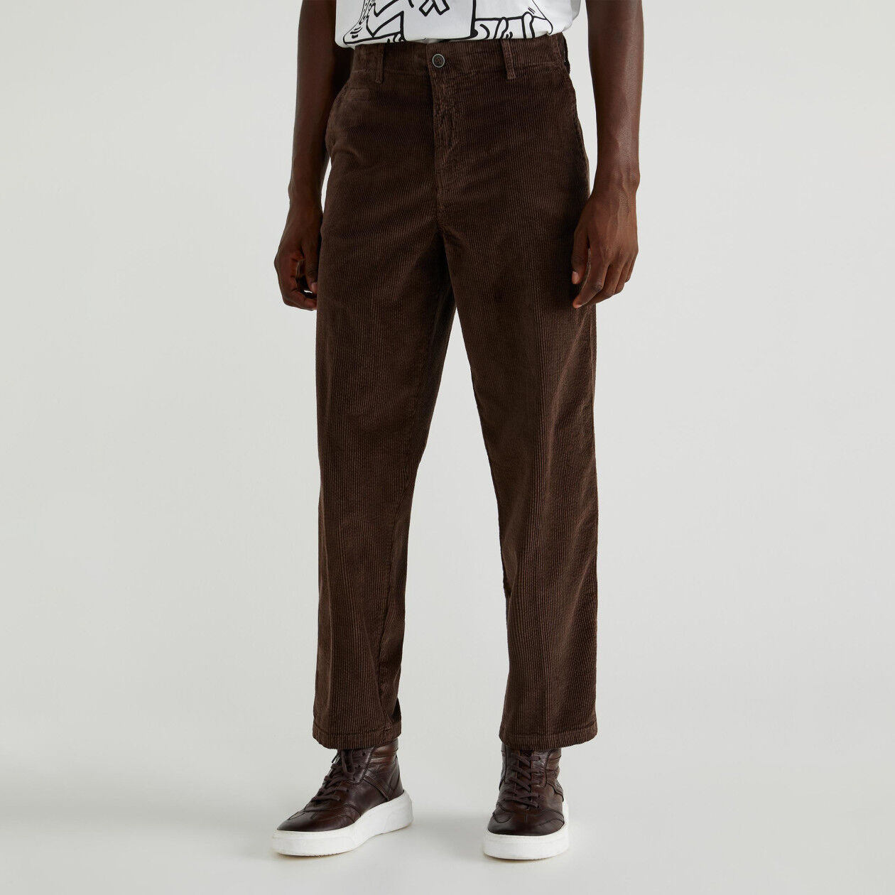 Pantalones chinos de pana elástica