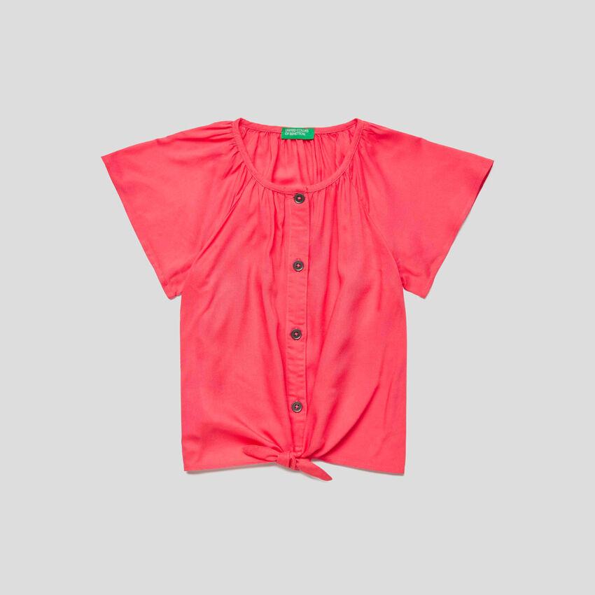 Camisa de manga corta con cordones