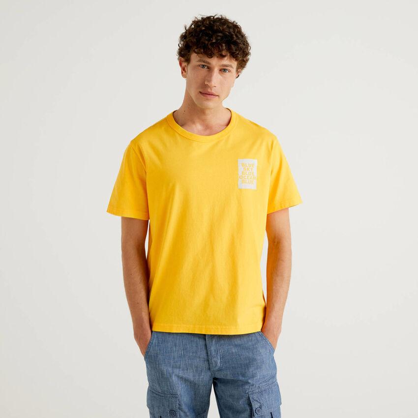 Camiseta con estampado de algodón orgánico