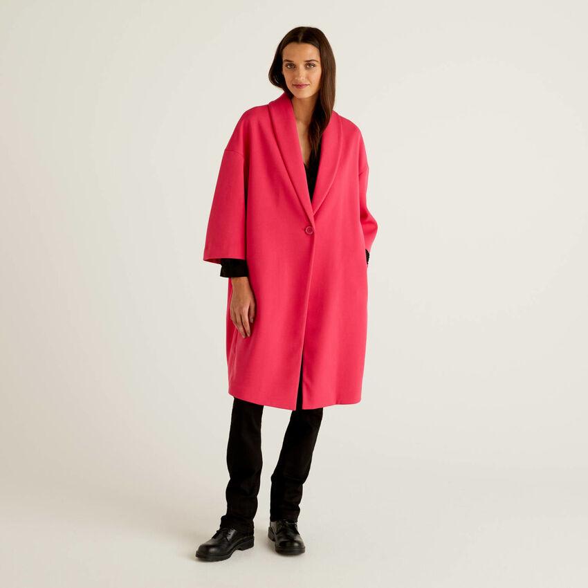 Abrigo liso con cuello tipo chal