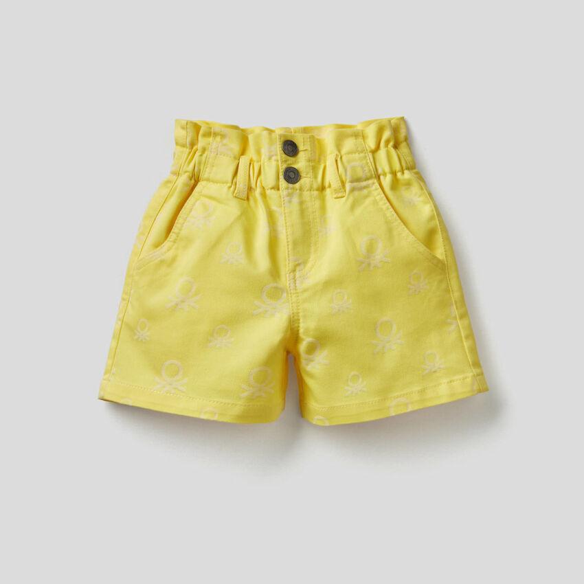 Pantalón corto de talle alto estampado