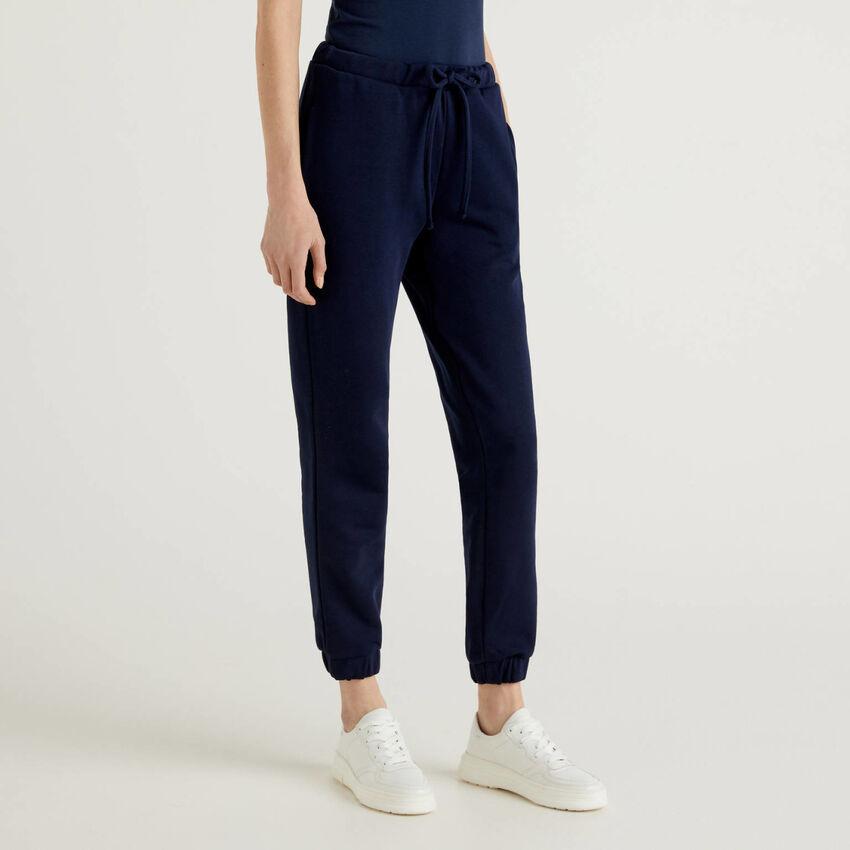 Pantalón de felpa azul oscuro