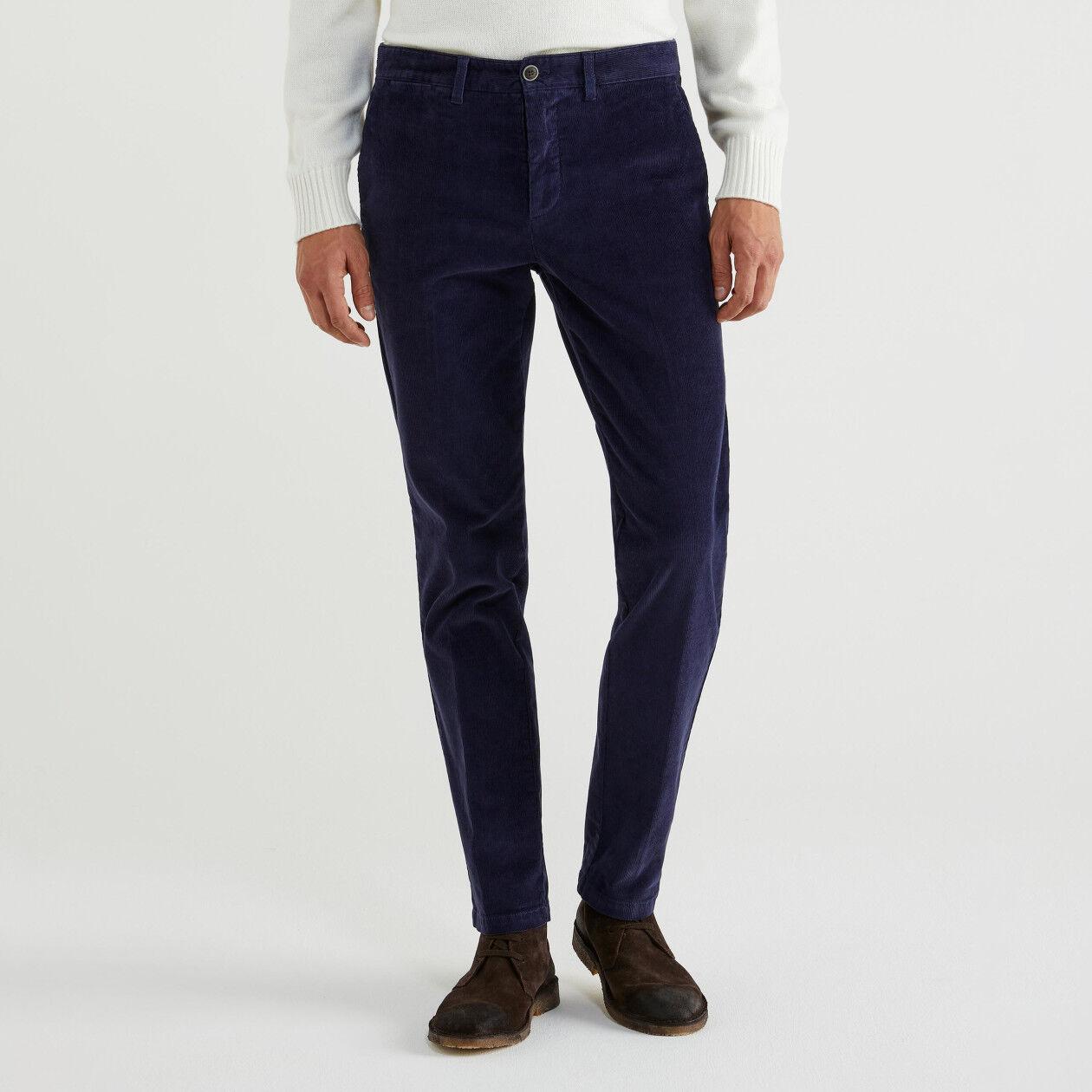 Pantalón ceñido de pana
