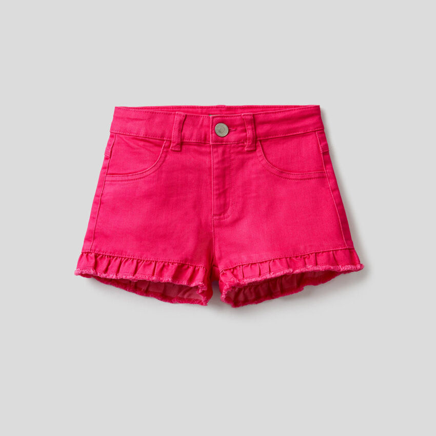 Pantalón corto liso con volante