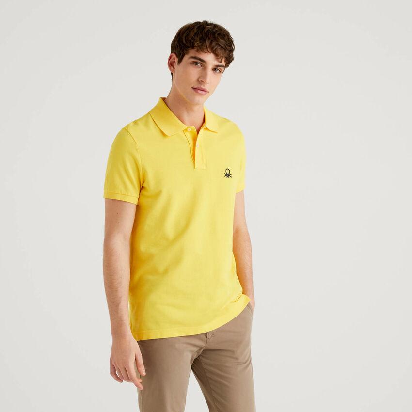 Polo slim fit amarillo