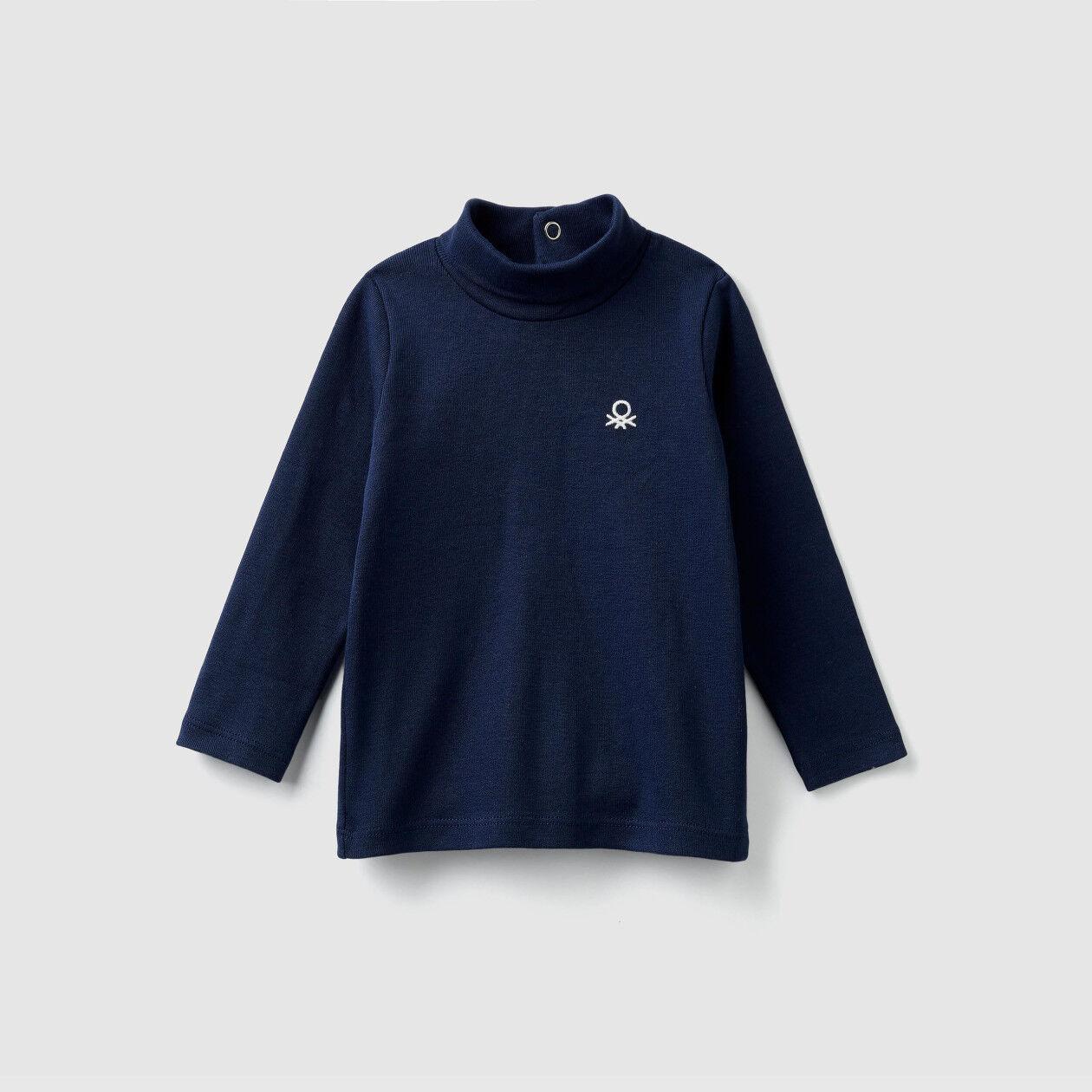 Camiseta de cuello alto de algodón orgánico