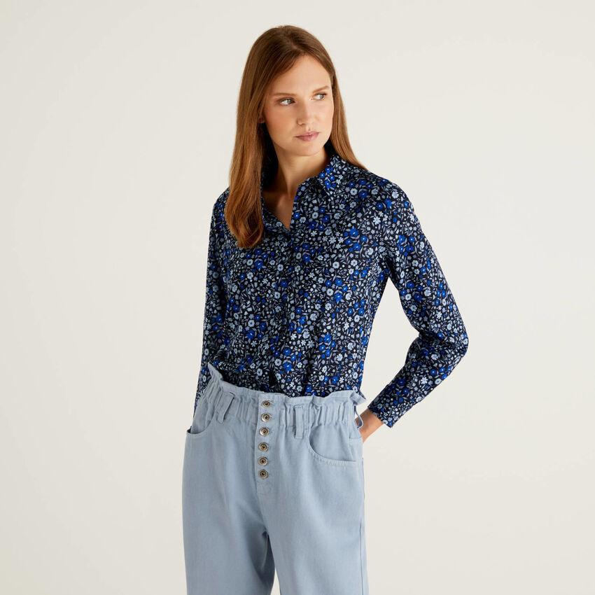 Camisa azul de flores de 100 % algodón
