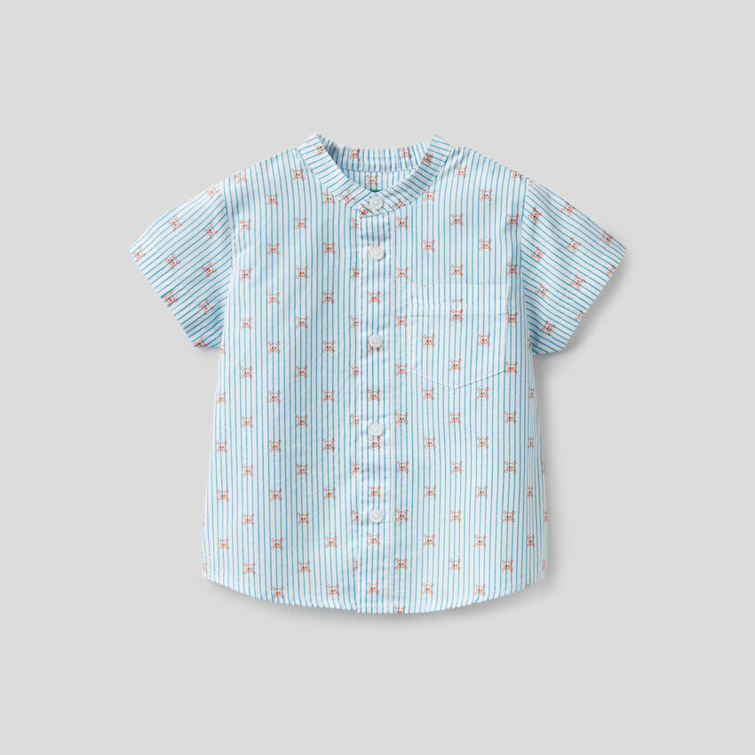 Camisa con estampado de calaveras