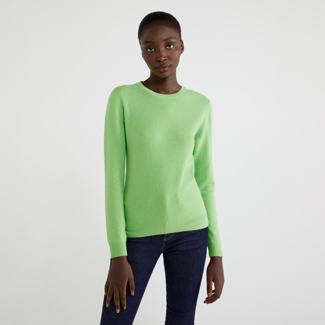 Jersey de cuello redondo de 100% lana virgen