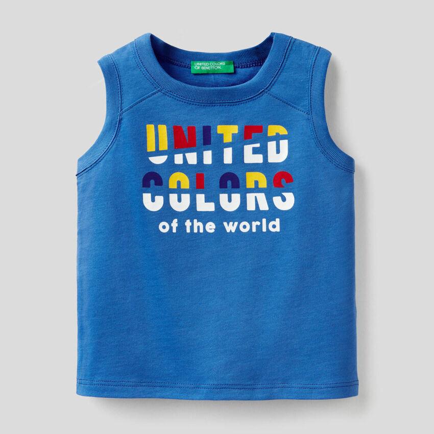 Camiseta de tirantes azul con estampado