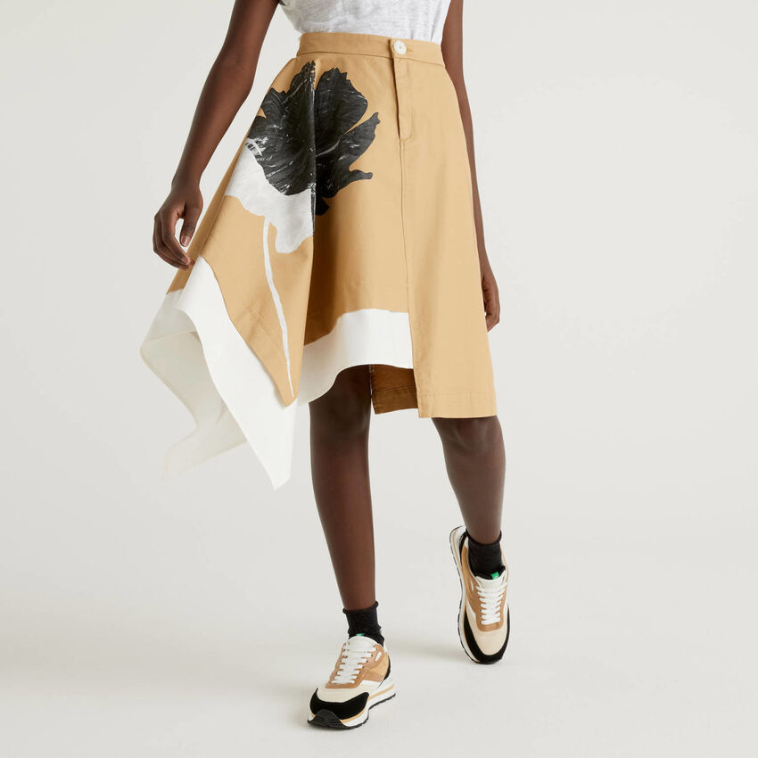 Falda asimétrica de 100 % algodón