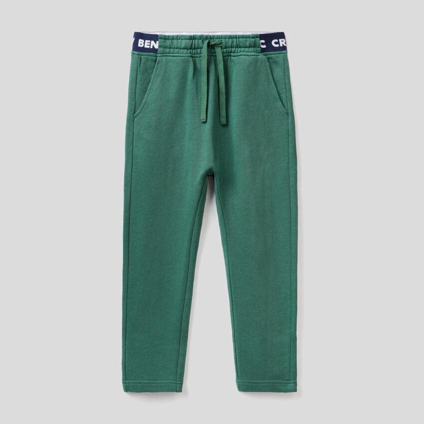 Pantalón de felpa con elástico con logotipo