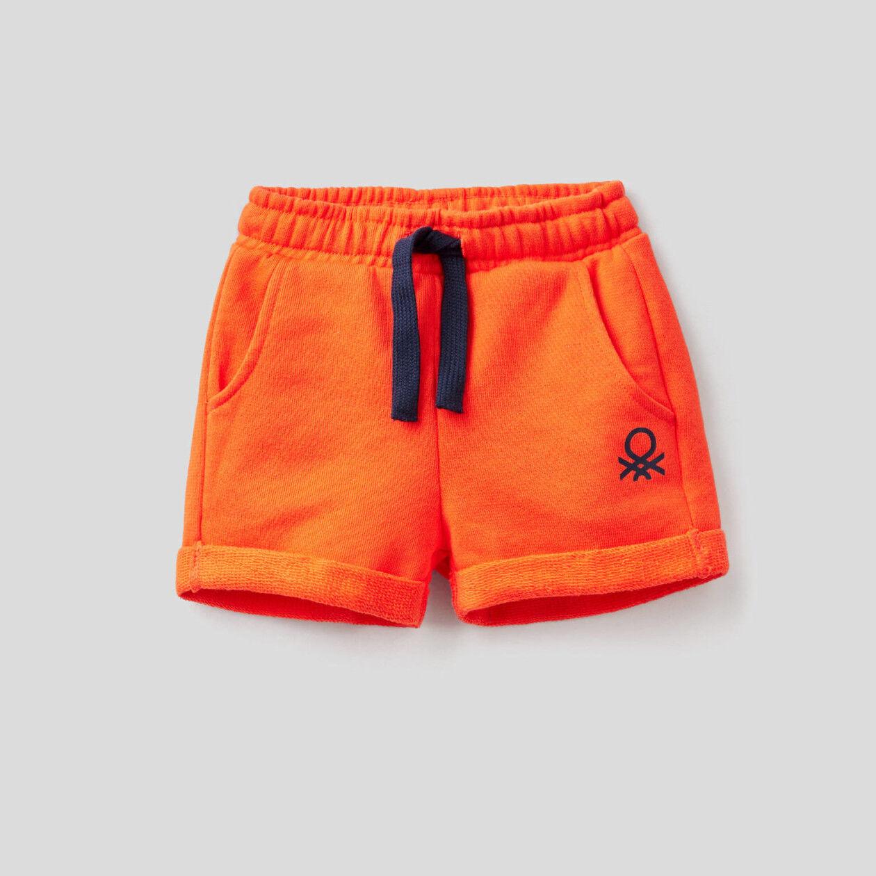 Pantalón corto en felpa de 100% algodón