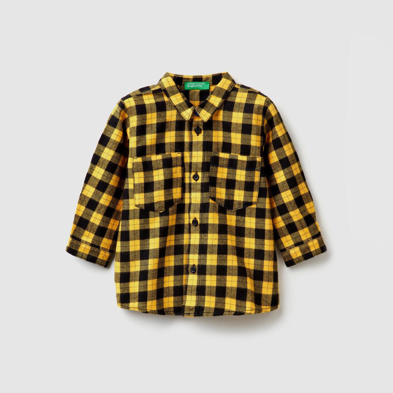 Camisa de cuadros con estampado trasero