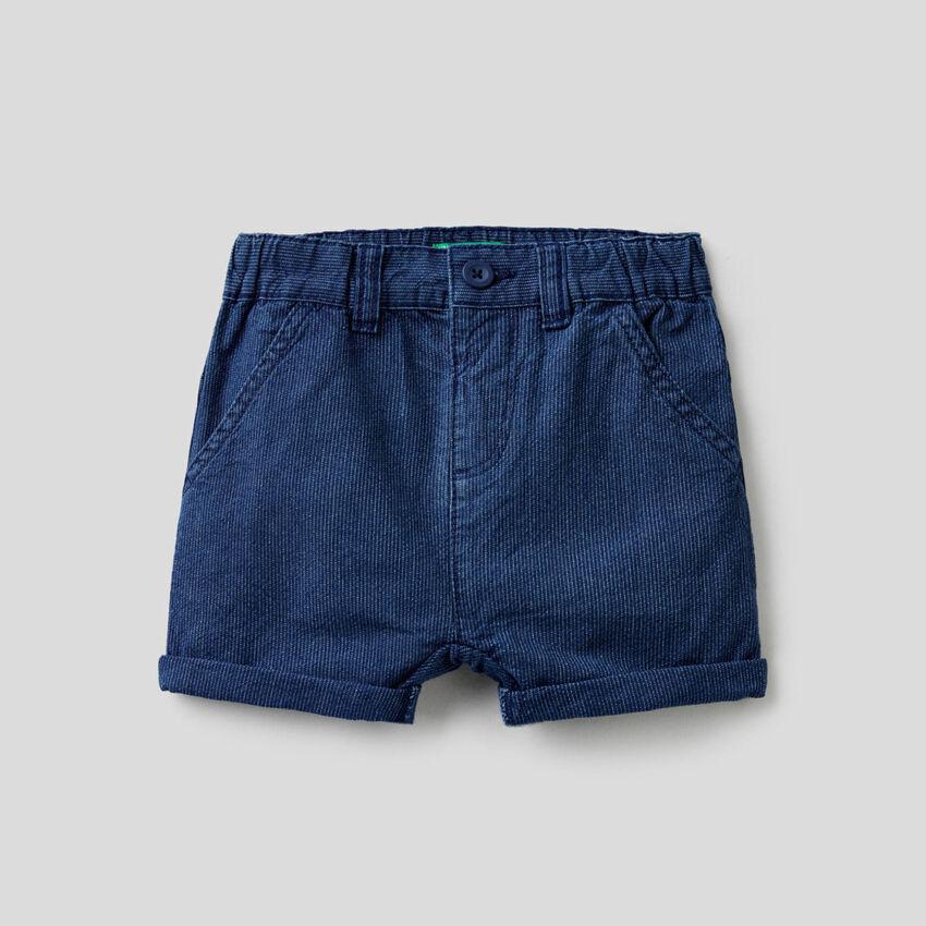 Pantalón corto vaquero de rayas