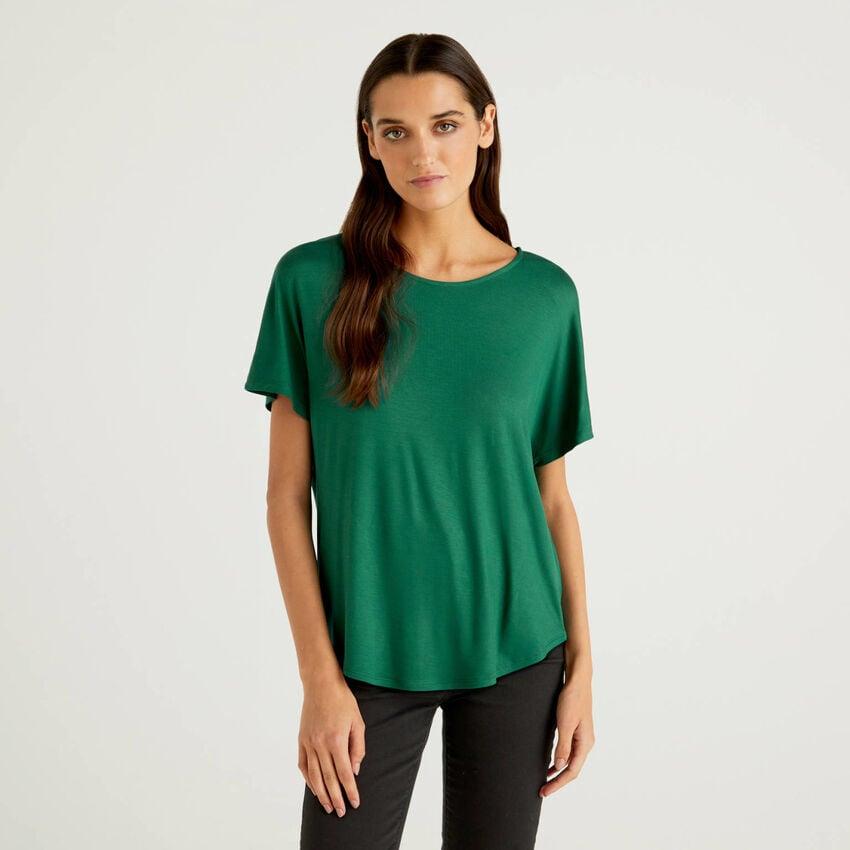 Camiseta de viscosa elástica sostenible