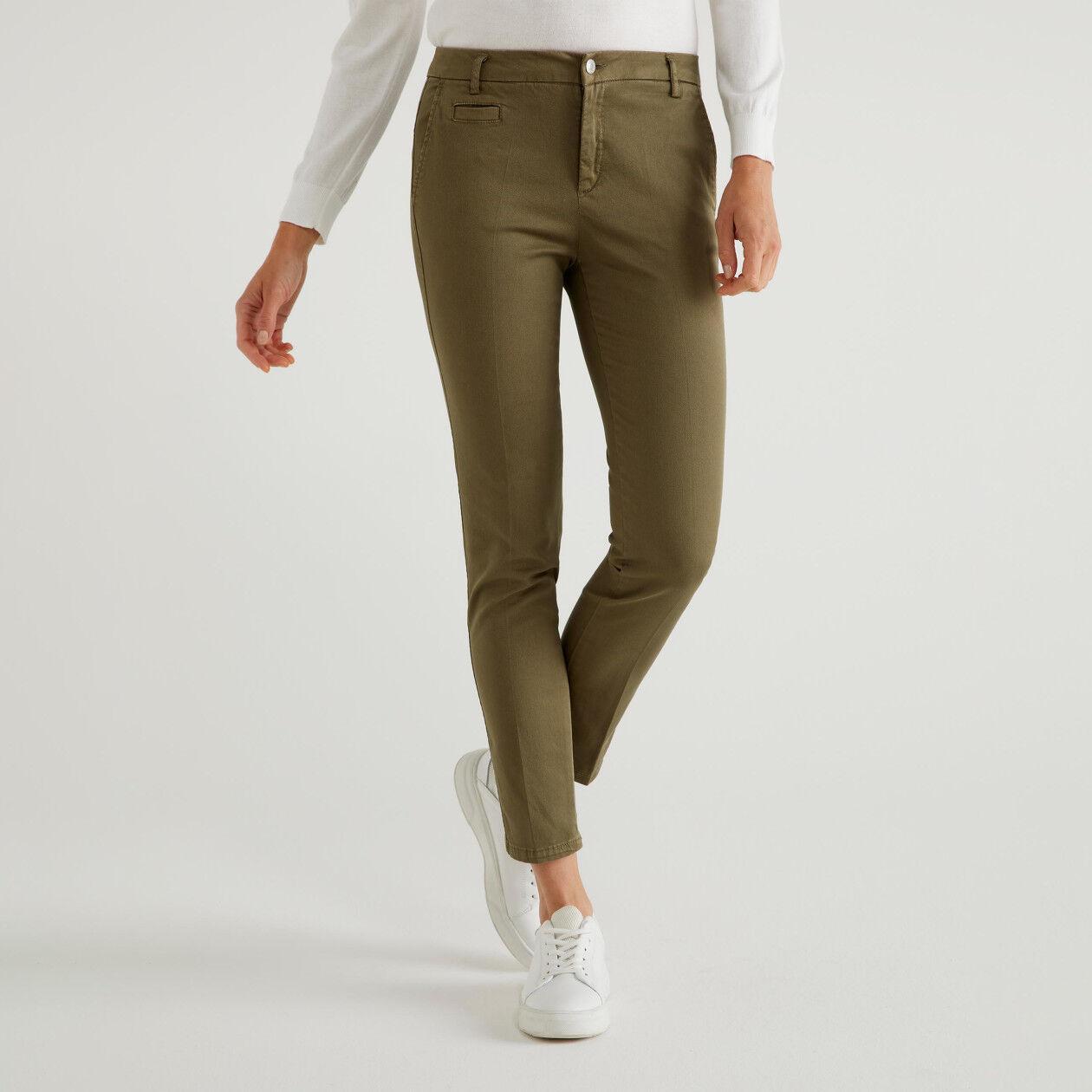 Pantalones chinos ceñidos