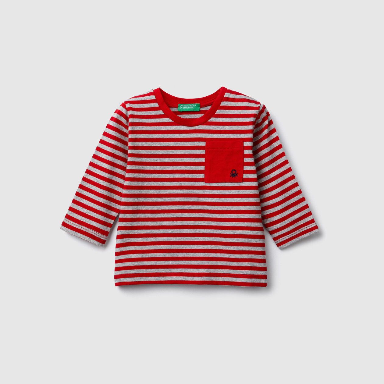 Camiseta de rayas con bolsillo