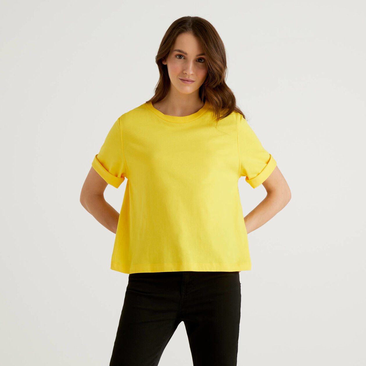 Camiseta corta de cuello redondo