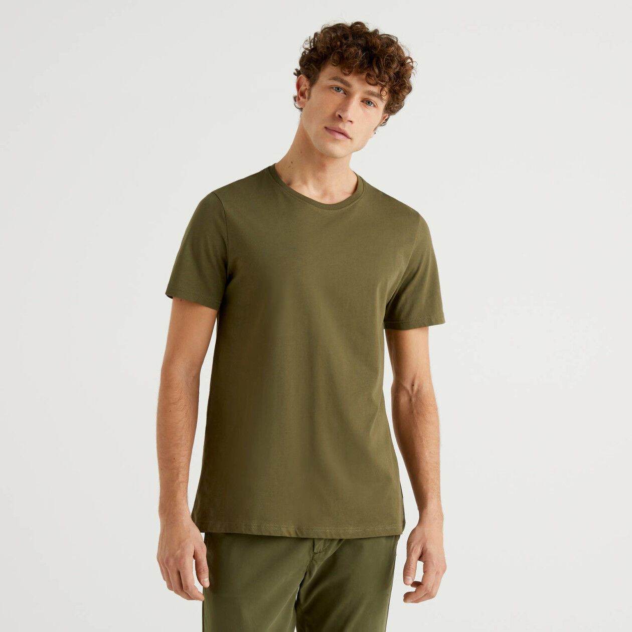 Camiseta verde militar de algodón puro