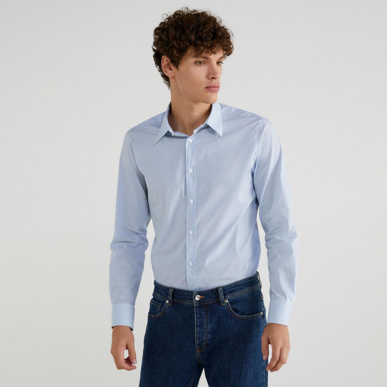 Camisa teñida en hilo de corte ceñido