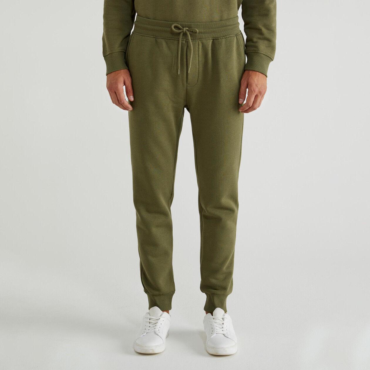 Pantalón de felpa con bolsillos