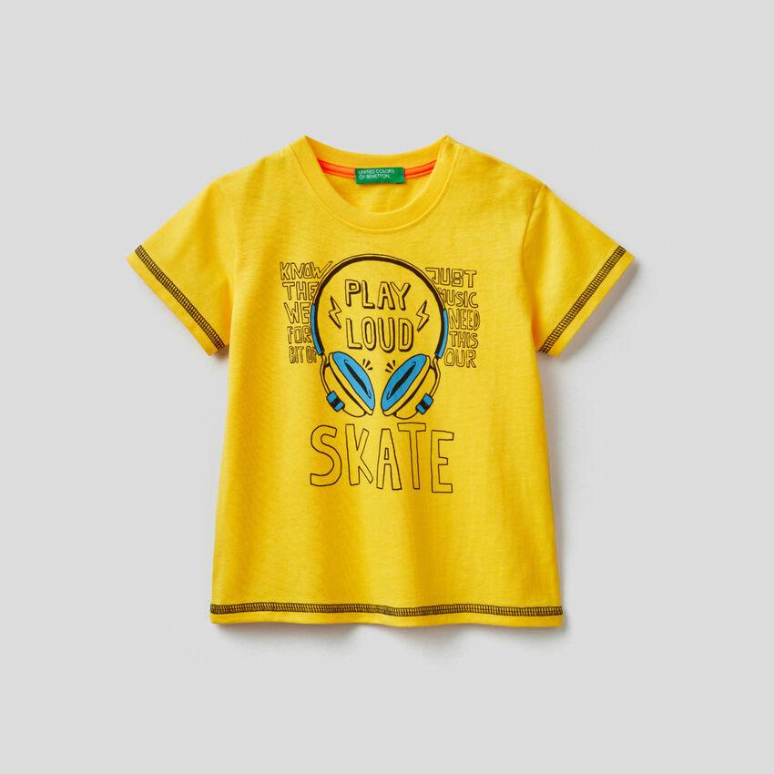 Camiseta de algodón con estampado de skateboard