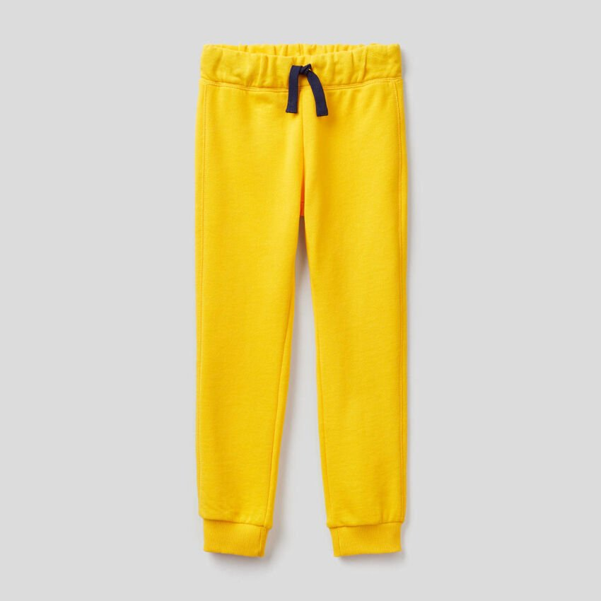 Pantalón amarillo de felpa de 100 % algodón