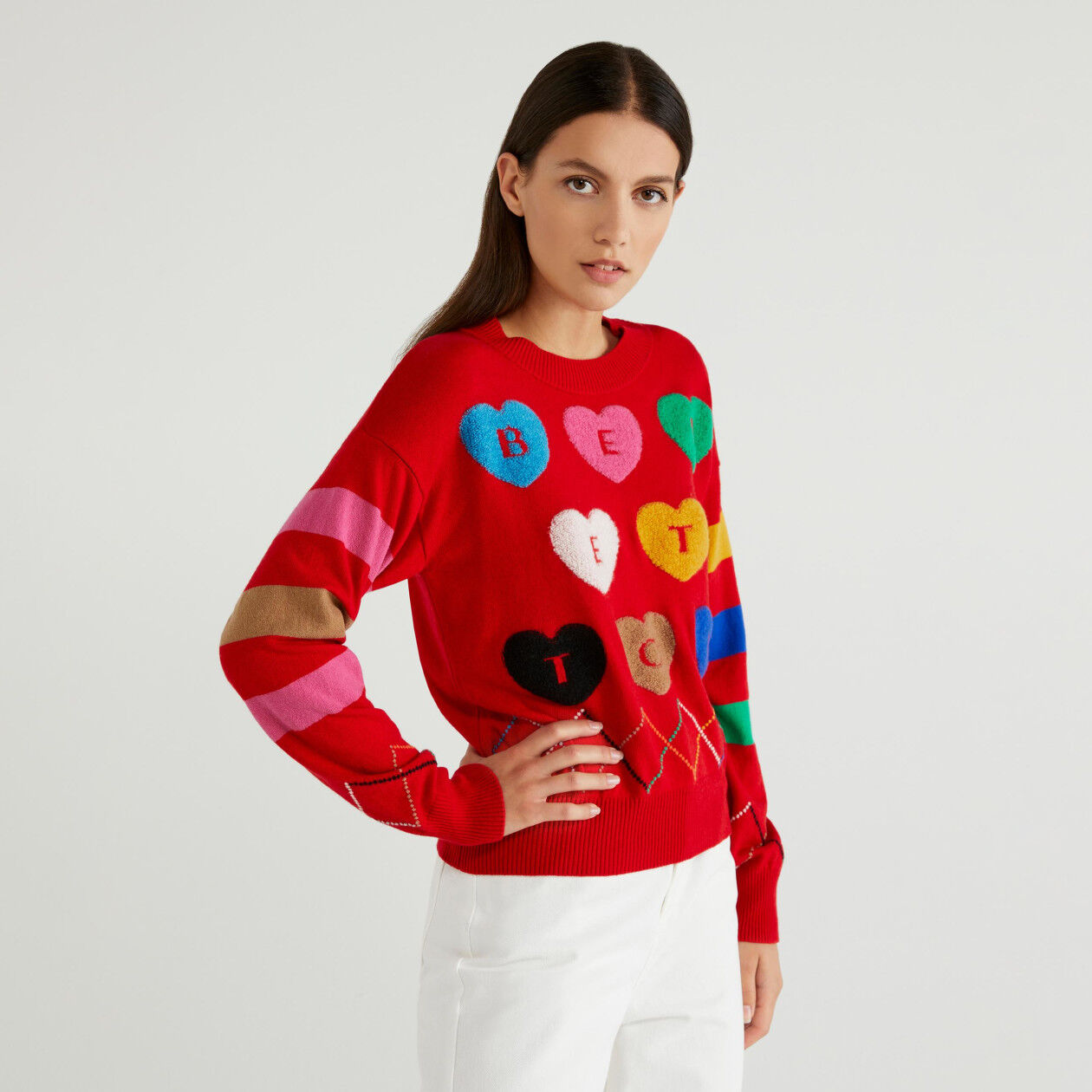 Jersey con grabados y corazones