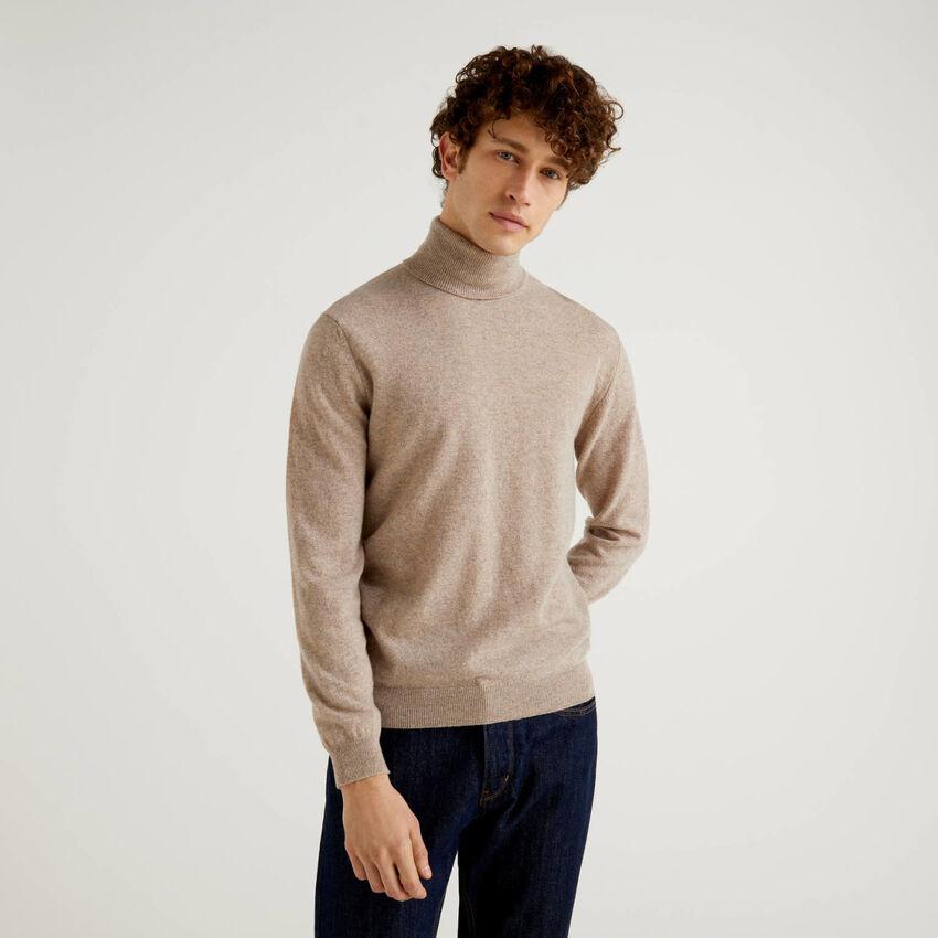Jersey de cuello cisne gris paloma de pura lana virgen