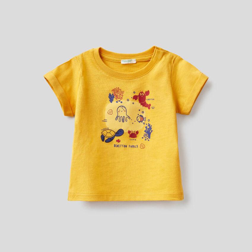 Camiseta amarilla de algodón orgánico